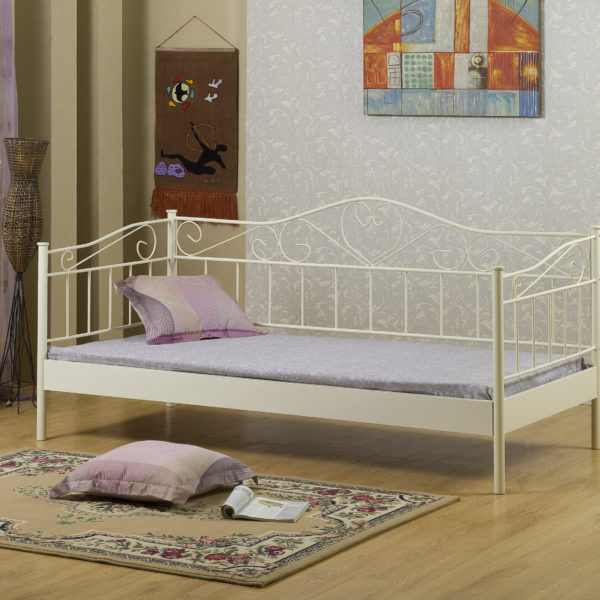 This beautiful day bed is perfect for everyday use or for sleepovers.