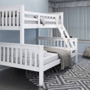 Triple bunk in white